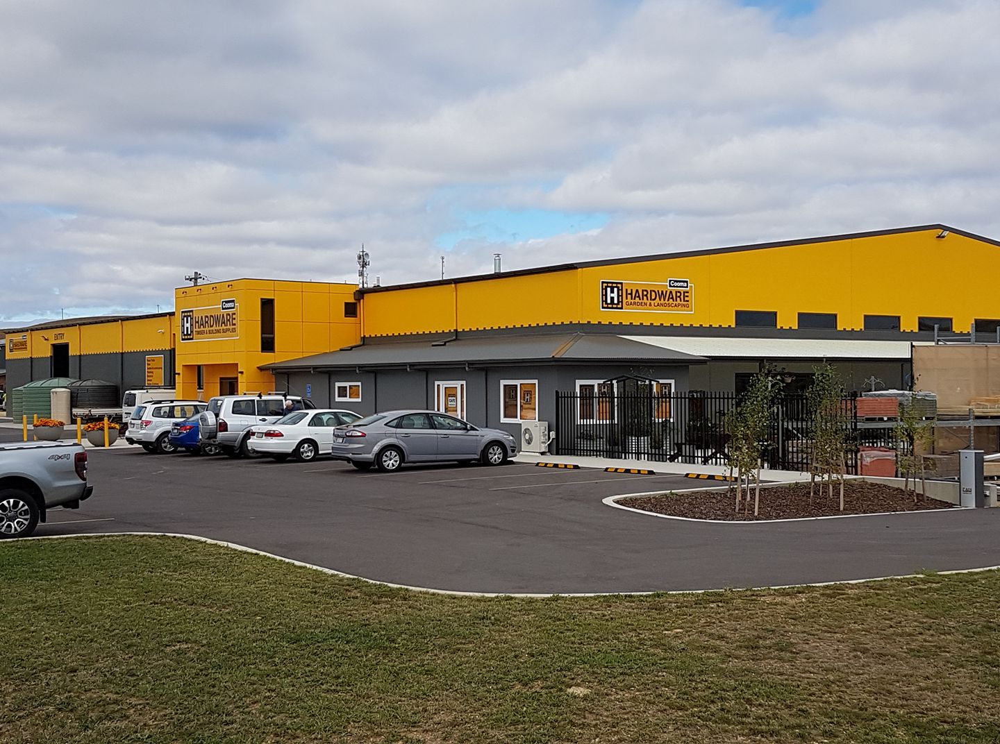 Cooma H Hardware